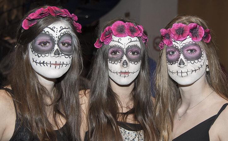 10 Creative Halloween Makeup Ideas from Best Horror Movies